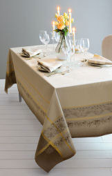 Garnier Thiebaut Perce-Neige GS Tablecloths - Plume