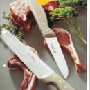 Carbon Steel vs Stainless Steel Chef's Knives – are you cooking or looking?